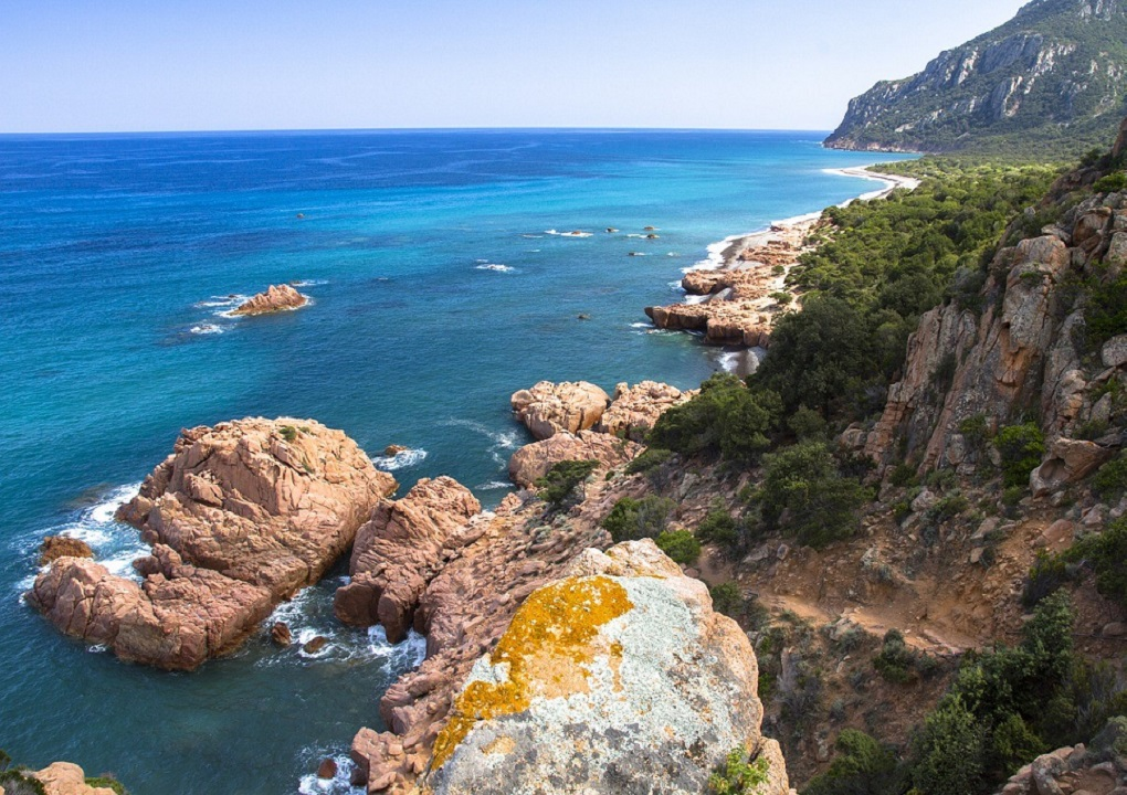 de kust van Sardinië